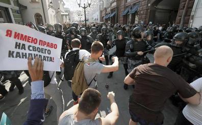 Casi 1.400 detenidos en la manifestación del sábado en Moscú