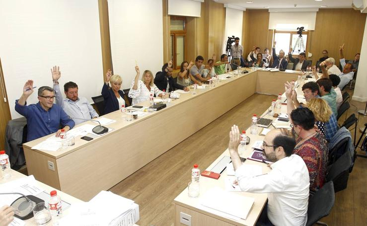Pleno en el Ayuntamiento de Torrelavega