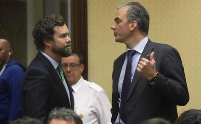 Vox logra representación institucional en el Congreso gracias a PP y Ciudadanos