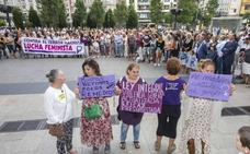 Más de 200 personas claman en Santander contra el «terrorismo machista»