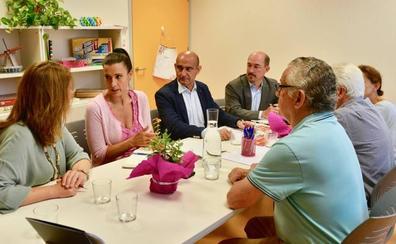 AMICA, ejemplo de innovación social, continuará contando con el apoyo del Ayuntamiento en sus programas sociales