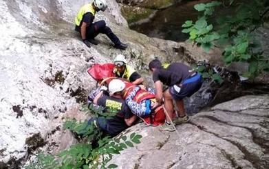 Complicado rescate de un barranquista alemán en el río Navedo, en Peñarrubia