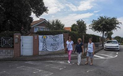 Vecinos de Somo rechazan una posible antena de telefonía junto a sus casas