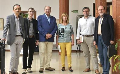 La poeta cubana Débora García gana el Premio Alegría con 'Te doy el mar'