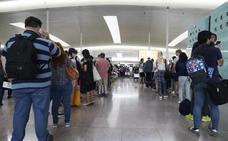 Huelga indefinida en el aeropuerto del Prat