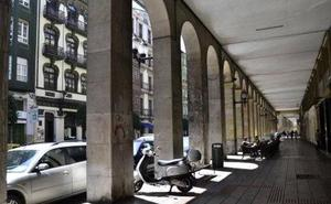La Policía busca a los agresores de un joven cántabro en Gijón