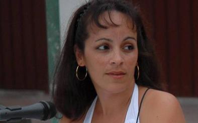 «La poesía en Cuba es nuestro refugio en días grises, un regalo en tiempos duros»