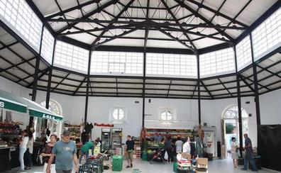 Castro quiere cambiar el proyecto de reforma del Mercado de Abastos