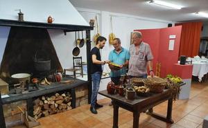 Pechón recrea el interior de una casa montañesa de hace un siglo