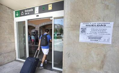 La segunda jornada de huelga en Renfe pasa desapercibida en Cantabria