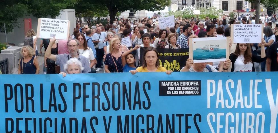 Más de 300 personas reclaman en Santander la apertura de puertos seguros en el Mediterráneo