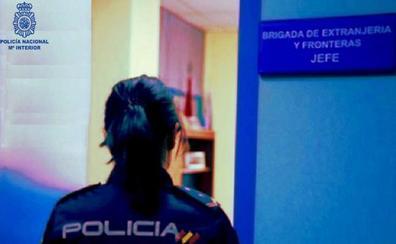 Detenida en Torrelavega una mujer que estafó 25.000 euros a dos inmigrantes senegaleses