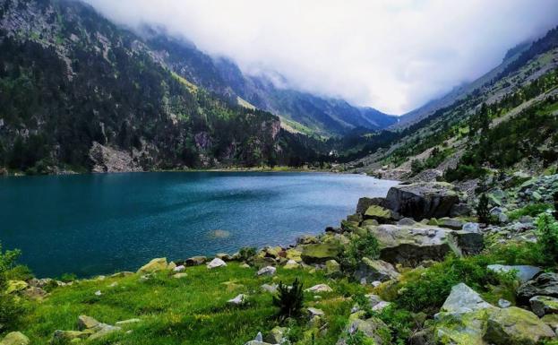 El lago de tus sueños existe y está en los Pirineos | El Diario Montañes