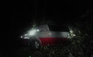 Herida una pareja que se cayó al río Vendejo con la furgoneta en la que viajaba