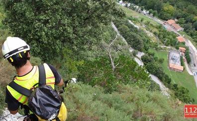 Rescatados dos senderistas que estaban recorriendo la vía ferrata de La Hermida