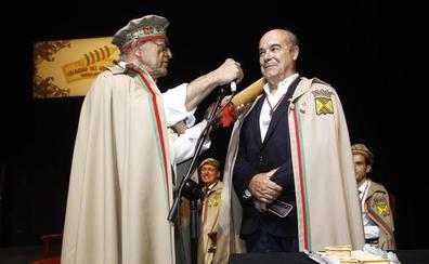 Antonio Resines, cofrade de Honor de la Cofradía del Hojaldre