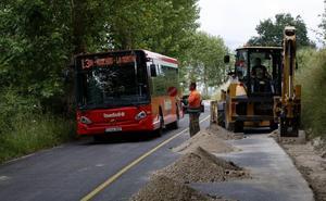 Los vecinos de La Montaña se quejan del retraso en las obras de la carretera