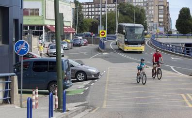 «Todo el carril bici de Santander es un punto negro»