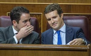 Las dudas estratégicas persisten en el PP pese al bálsamo de gobernar tras el 26-M