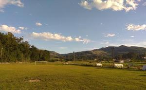 Guriezo pone al día las instalaciones del campo de fútbol en La Magdalena
