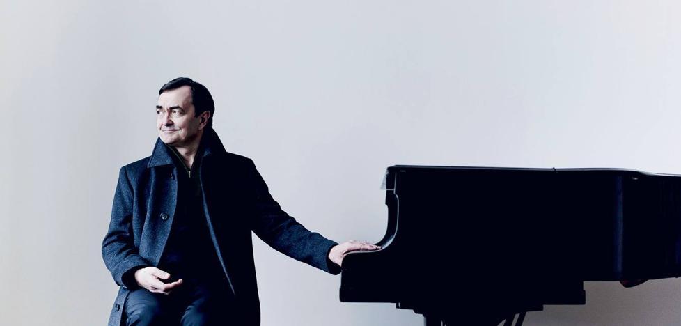 Mozart llega a Santander de la mano del pianista Pierre-Laurent Aimard