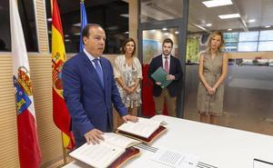 Íñigo Claramunt toma posesión como nuevo director del Servicio de Emergencias de Cantabria