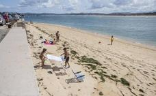 La playa La Fenómeno, más crecida que nunca