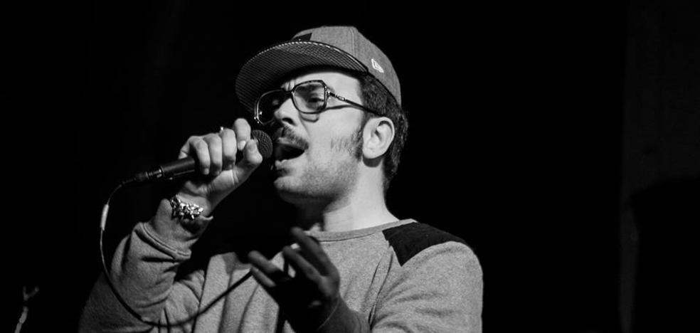 «La música está muy mercantilizada y no es ajena al capitalismo voraz que reina»