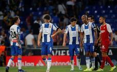 Un Espanyol en forma amenaza la mermada defensa del Alavés