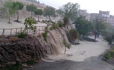 Inundaciones y alertas por las intensas granizadas y tormentas en el centro de España