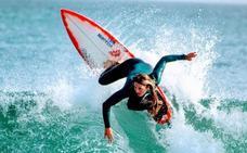 El poder de las olas cántabras en femenino