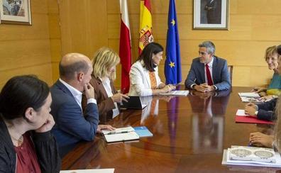 Zuloaga e Igual inician una colaboración que la alcaldesa espera ver reflejada en los presupuestos regionales