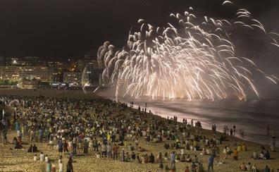 Fuegos artificiales, este jueves en la Segunda de El Sardinero para festejar los Santos Mártires