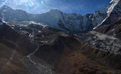 La primera carretera al Everest, una vía más segura hasta el techo del mundo