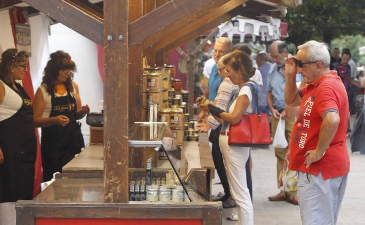 El Mercado Romano vuelve a la Alameda de Oviedo