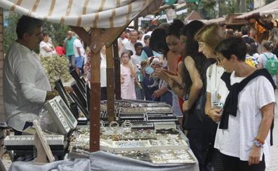 El Mercado Romano vuelve a la Alameda de Oviedo por los Mártires