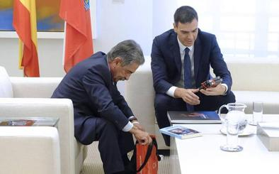 Revilla critica a Pedro Sánchez que concierte su visita a Cantabria con Zuloaga sin hablar con él