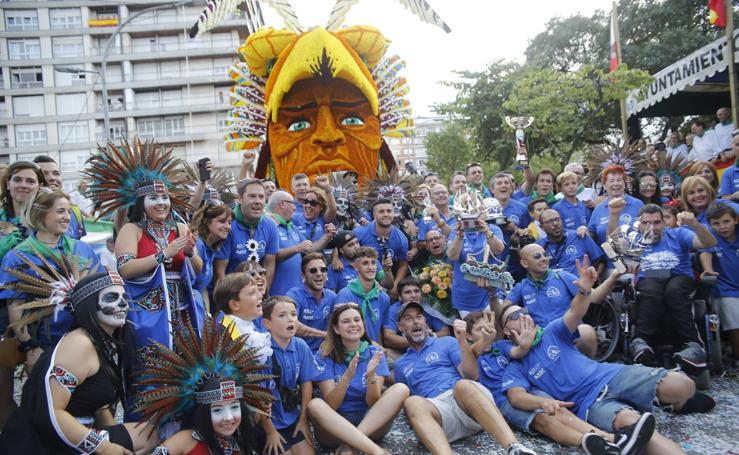 La carroza 'Memento Mori' se lleva el triunfo en Laredo