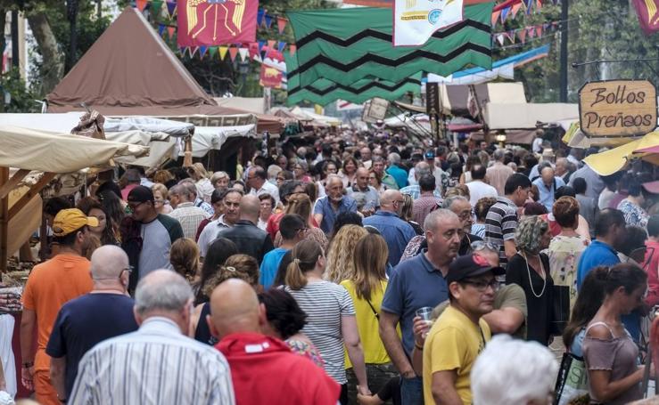 El Mercado Medieval invade la Alameda de Oviedo