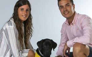 «Adoptar un perro guía te aporta muchas cosas»