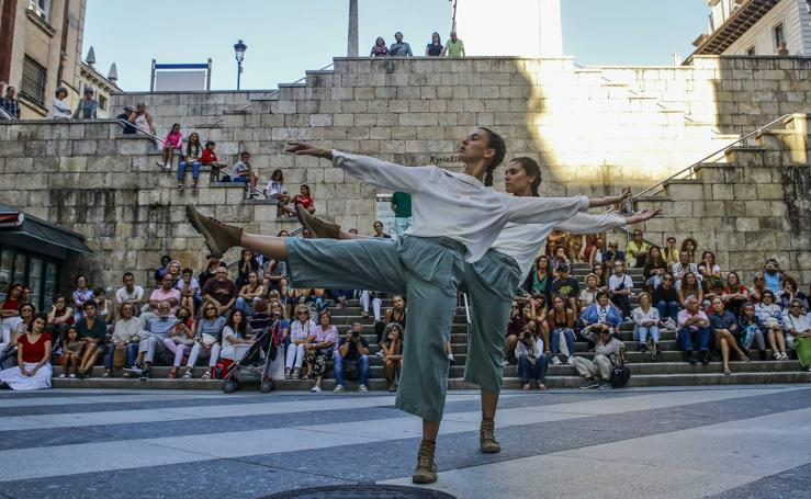 La danza en las calles de Santander