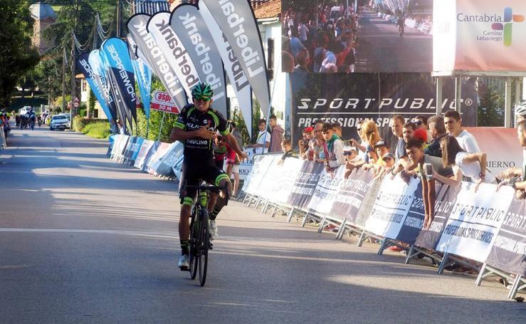Imágenes de la segunda etapa de la Vuelta a Cantabria