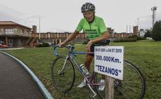 Enrique Tezanos bate un nuevo récord en el velódromo