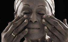 Los discos icónicos de Omara Portuondo y Ali Farka Touré, por primera vez en vinilo