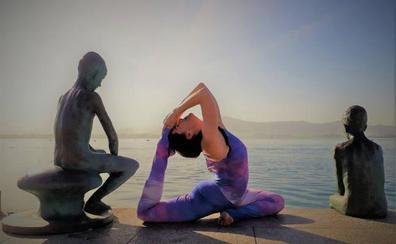 ¿Conoces los beneficios del 'bikram yoga'?