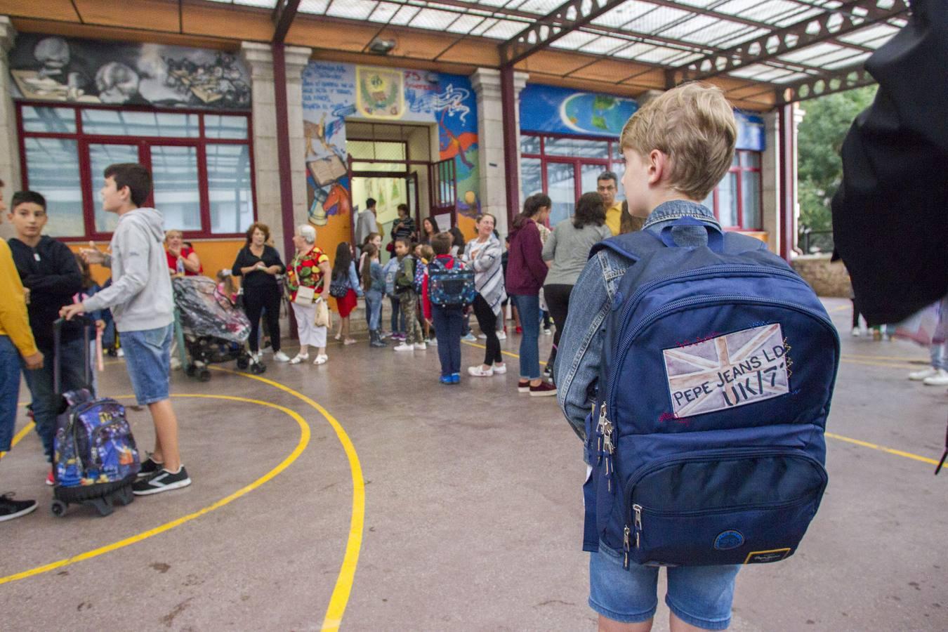 El nuevo curso escolar en Cantabria comienza con 3.500 alumnos nuevos