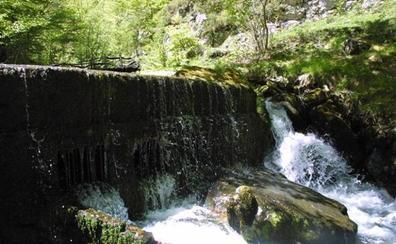 Una ruta por el bonito desfiladero asturiano de los Arrudos