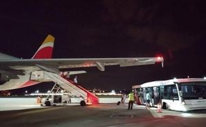 El vuelo Madrid-Santander de Iberia regresa a la capital en pleno trayecto por un problema técnico