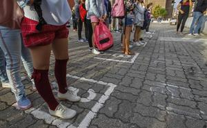 La 'vuelta al cole' arranca en Cantabria con 1.500 alumnos menos en Infantil y Primaria