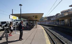Urgen al Gobierno que convoque la Mesa del Ferrocarril ante la «oleada de retrasos, cancelaciones y transbordos» en Renfe